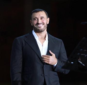 كاظم الساهر يعتزم غناء قصيدة للشاعر السوداني ياسر البيلي