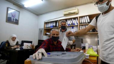 النظام يجري انتخابات تشريعية وسط أزمة معيشية حادة