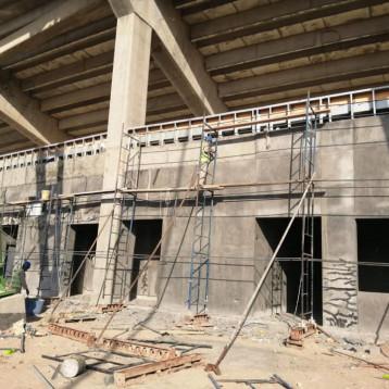 درجال يطلع على سير العمل في مشروع ملعب الميناء الدولي