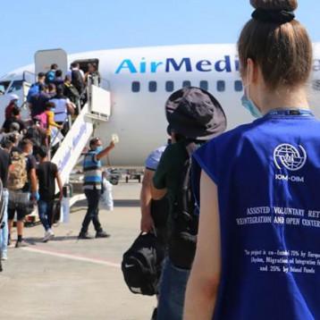 أوروبا تنفذ أكبر حملة إعادة طوعية للاجئين العراقيين  من اليونان إلى بلدهم