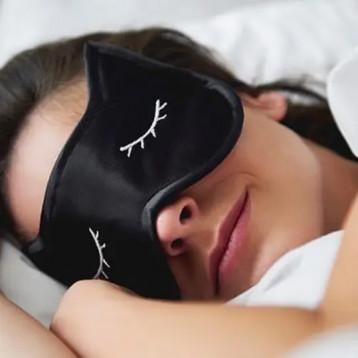حجم الثروة المالية للشخص تؤثر على مقدار النوم الذي يحصل عليه كل ليلة