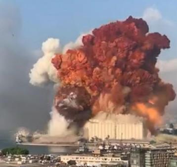 لبنان في حداد وطني وحالة طواريء واعداد ضحايا الانفجار الذي هز مرفأ بيروت تتزايد