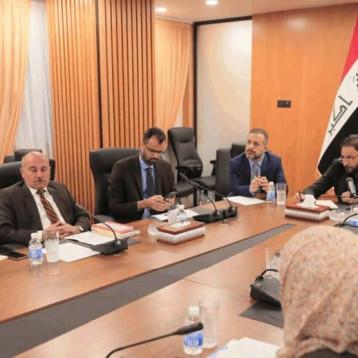 لجنة تعديل الدستور معطلة منذ 8 أشهر وتقر بصعوبة تمرير مقترحاتها في البرلمان