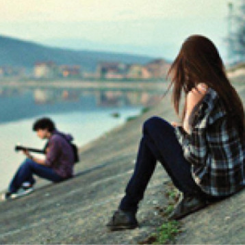 المرأة لا تنتهك الأعراف او كرامتها حين تبادر رجلا بحبها