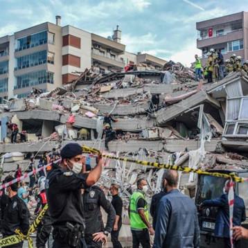 """"""" دبلوماسية الزلازل """" تفتح بابا لانفراج العلاقات بين الخصمين المتضررين تركيا واليونان"""