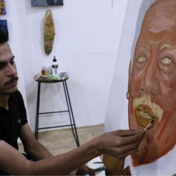 لوحات بالقهوة.. ابداع عراقي جديد
