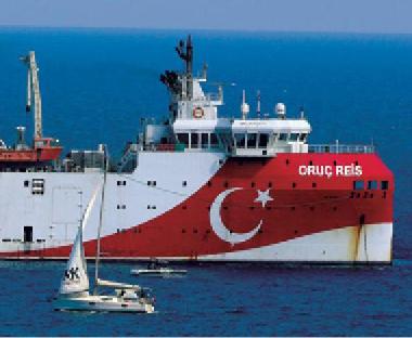 تركيا تتجاهل تلويحاً أوروبياً بالعقوبات وتمدد التنقيب شرق المتوسط